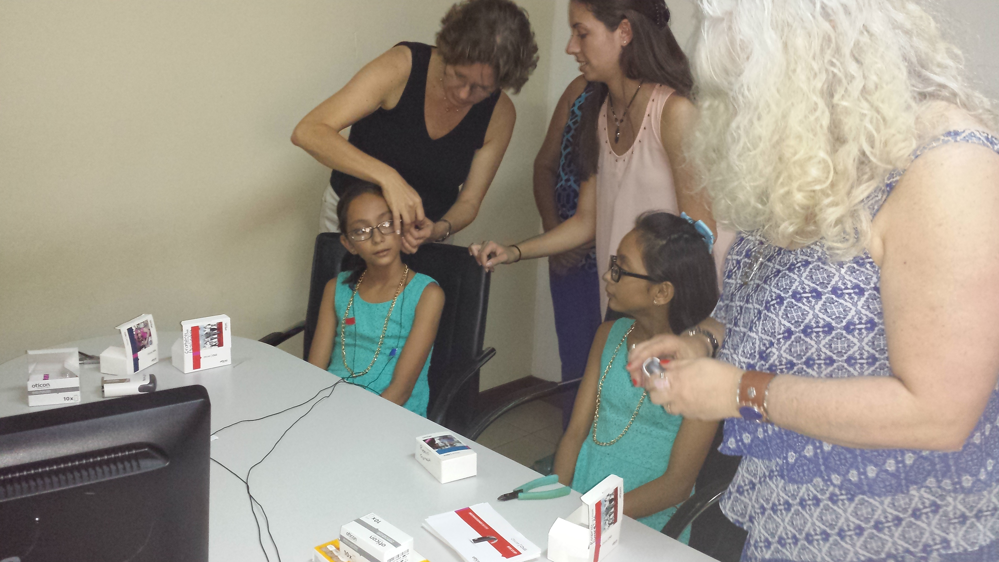 Fitting New Hearing Instruments - with Dr. Simon, Audiologist Anneli Ahl...